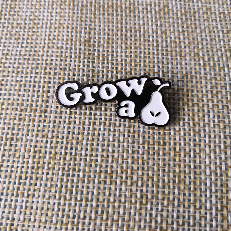2019 Grow A Pair Pear Pin Roommate BFF Best Friend Badge Brooch Birthday Coworker Gift From Baozii 2922