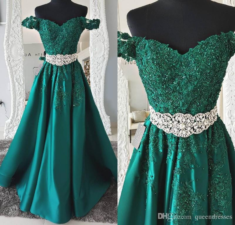 Vestidos de noche en color verde esmeralda
