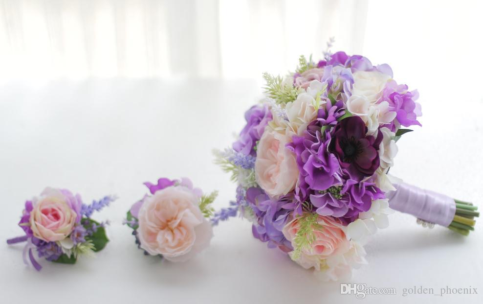 2018 son Koreli gelin tutan bir çiçek pembe mor gül mor ortanca lavanta düğün gelin gelinlik buketi