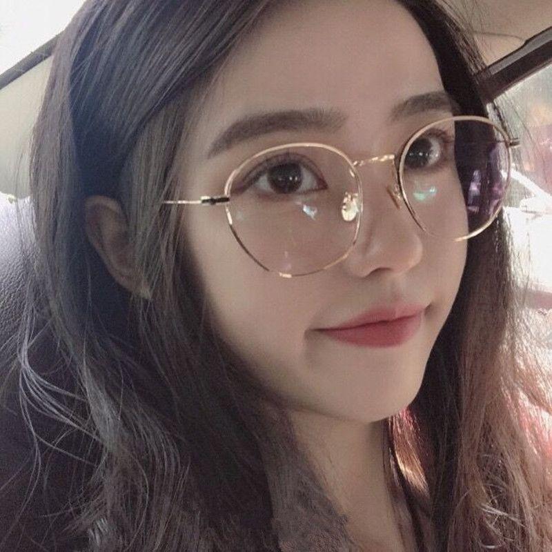 c65bb1dd00ee7 Compre 2018 Gafas Óculos Lentes Opticos Mujer Vintage Pérola Óculos De Armação  Feminino Coreano Rosto Arte Com Lente De Espelho Plano De Luz De ...