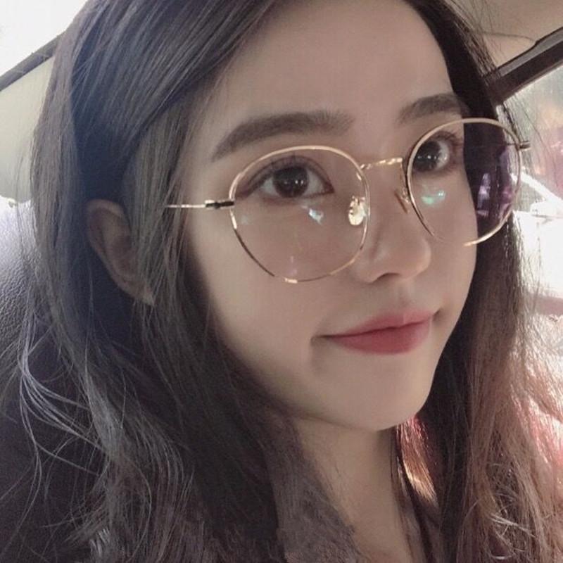 ade01dbb8b Compre Gafas 2018 Gafas Lentes Opticos Mujer Vintage Gafas De Perlas Marco  Arte De La Cara Coreana Femenina Con Lente De Espejo Luz Plana A $39.92 Del  ...