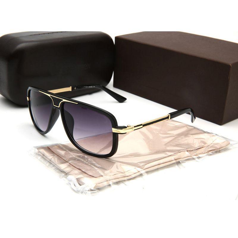 ebfe5fafaf482 Compre 2018 Nova Marca De Moda Óculos De Sol Das Mulheres Dos Homens De  Verão De Luxo Óculos De Sol Uv400 Proteção Esporte Óculos De Sol Dos Homens  Óculos ...