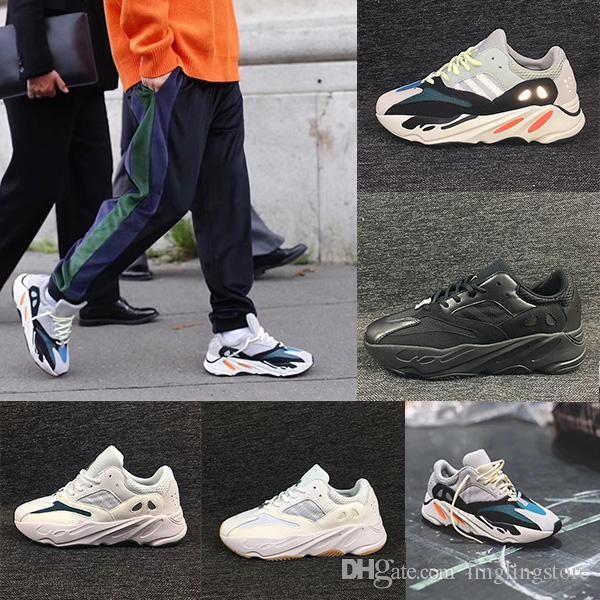 new styles 71203 b7cdc Adidas Yeezy Boost 700 Sapatos cobiçados 700 Wave Runner na 5 ª temporada  em cinza sólido Chalk White-Core Black. Kanye West 700 Shoes modelos Navy  ...