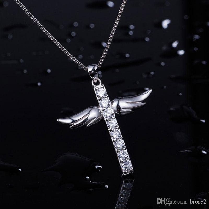 b90179c720c9 Compre Collar De Plata Lleno De Diamantes Cruz Ala Del Ángel Colgante Moda  Simple Joyería De Estilo Japonés Y Coreano A  45.23 Del Brose2
