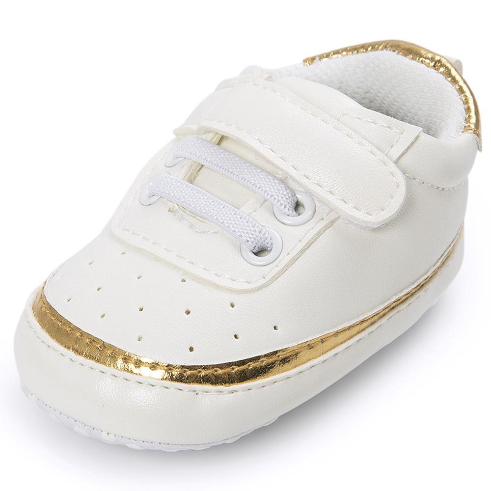 aeb90fd091631 Acheter Bordure Dorée Blanc Bébé Sneakers Chaussures Garçon Fille PU En  Cuir Souple Unique Berceau Sans Glissement Pour Les Premiers Marcheurs  Infantile ...