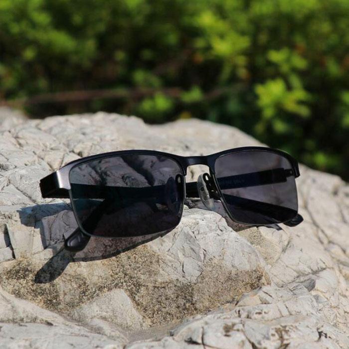 5225d136295a2 Compre Gafas De Lectura Progresivas Fotocromáticas De Marco Azul Gafas De  Lentes De Cambio De Color Gafas De Sol Exteriores Gafas De Sol Para Hombres  + 1.0 ...