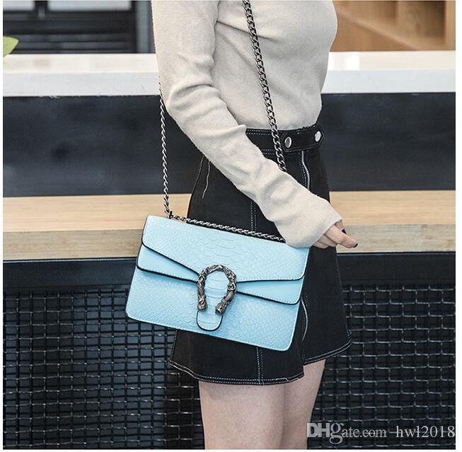 La versione coreana della piccola borsa quadrata estate nuovo stile dea pacchetto serpente in rilievo borsa a tracolla catena Messenger bag borse