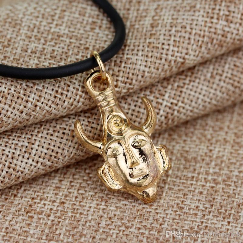 Accessoires de cinéma de style chaud pirates, collier pendentif crâne collier pendentif collier en or pièce de monnaie mal, livraison gratuite.