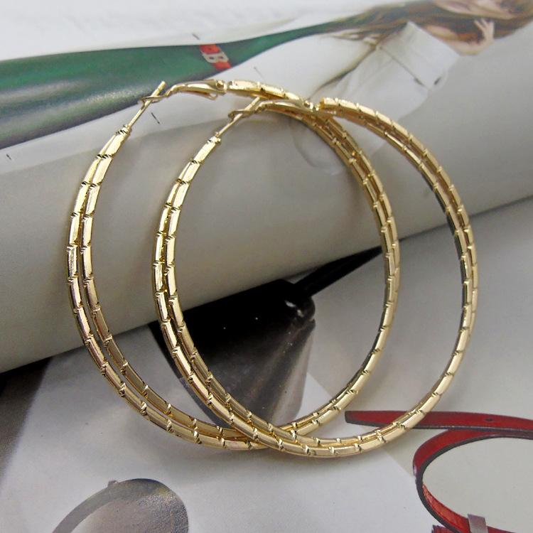 2019 New Design Shiny Earrings For Women Gold Color Earring 2018 Metal  Earing Hanging Fashion Jewelry Trend Silver Earrings From Ximamout 492c1c90be3e