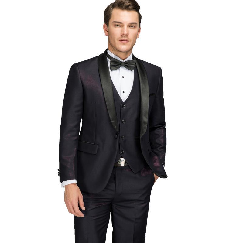 1d26dccd3730a Compre Trajes De Púrpura Para Los Hombres 2018 Últimos Pantalones De Capa  Diseños Del Chaleco Del Novio Brillante Traje De Boda Vestido De Fiesta  Italiano ...