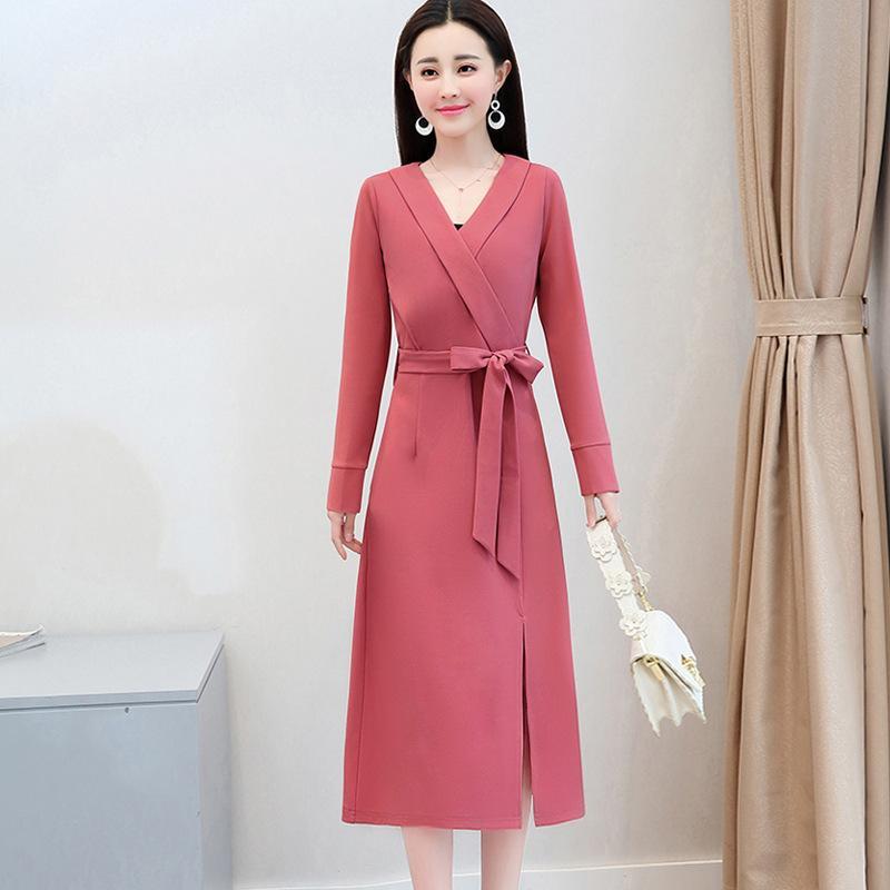 best cheap 6f198 8718e Minimalistisches reines langärmliges Kleid, lange Art 2018 Frühlings- und  Herbstkleider, neuer Stil, dünner Taillen-Taillenrock.