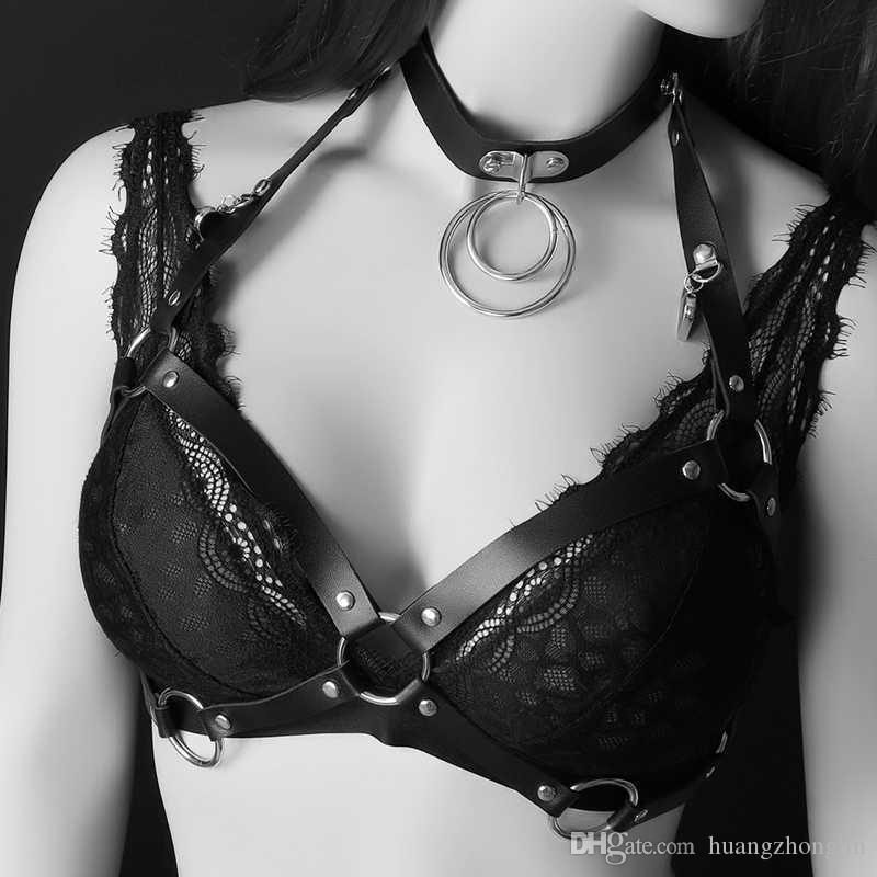 977432fd6 Compre Leathe Gothic Punk Estilo Harajuku Mulheres Cintos Em Alta Qualidade  Escravidão Sutiã Harness Ajustável Corpo Witchy Fetiche Lingerie Mulheres  De ...
