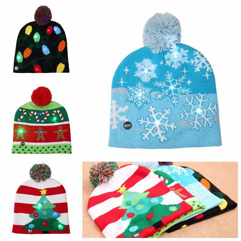 Acquista 4 Stili LED Luce Maglia Cappello Di Natale Unisex Adulti Bambini  Capodanno Natale Luminoso Lampeggiante Maglia Uncinetto Cappello Favore Di  Partito ... ca3fb8a1875d