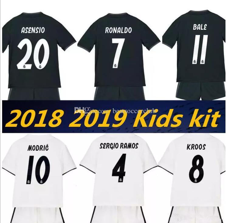 74b5f7e5d Großhandel 18 19 Kinder Real Madrid Jersey Home Weg Fußball Kinder Jungen  Ronaldo Asensio Moderne Bale Ramos Isco Navas Kroos Benzema Kinder Fußball  Shirt ...