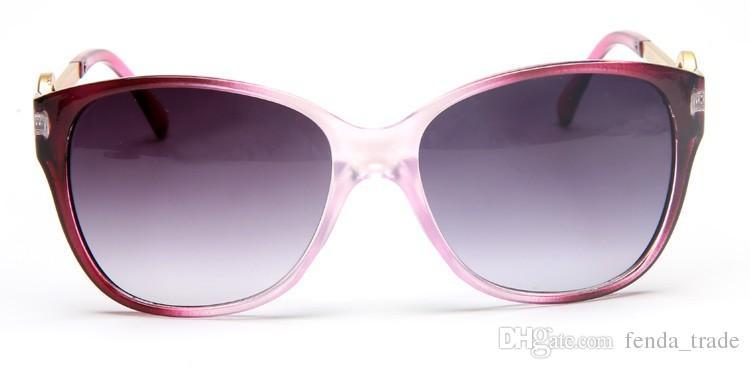 2018 Marke Fabrik-Preis-Sonnenbrille heiße verkaufende Mode-Marken-Entwerfer-Sonnenbrille Frauen Sun Klassische Brillen großes Feld Oculos 8101 Brille