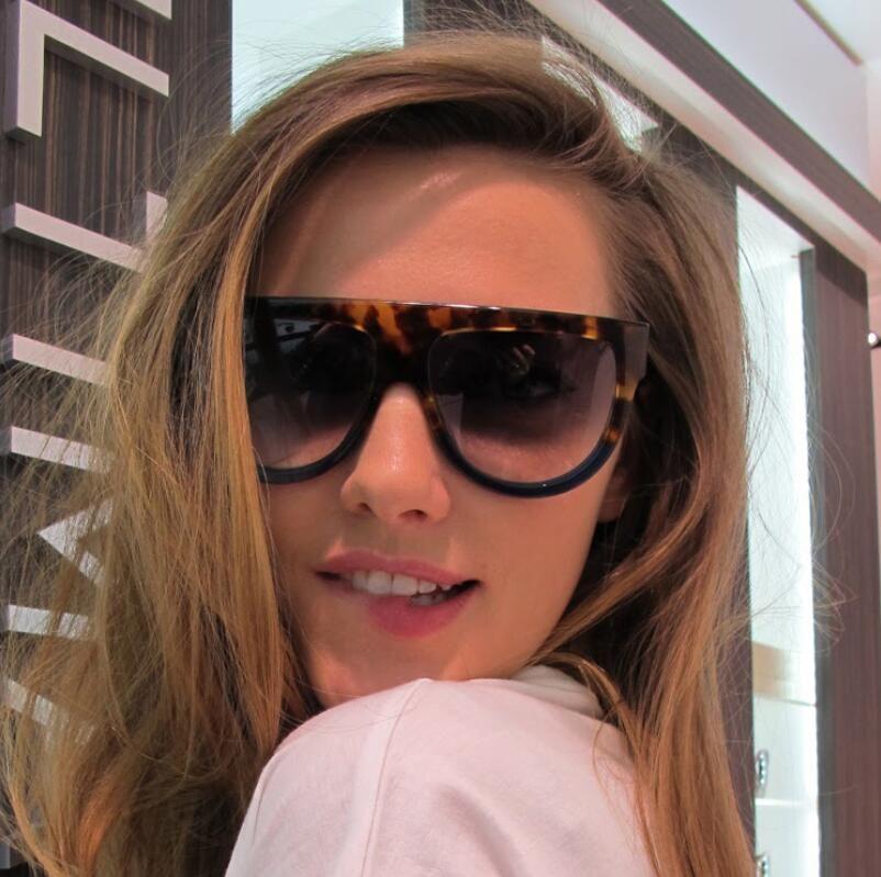 Compre Austrália Estilo Vintage Cat Eye Sunglasses Mulheres 2018 Marca De  Luxo 90 S Moda Praça Cateye Óculos De Sol Gradiente Lens Feminino Senhora  Shades ... 44d9324dbc