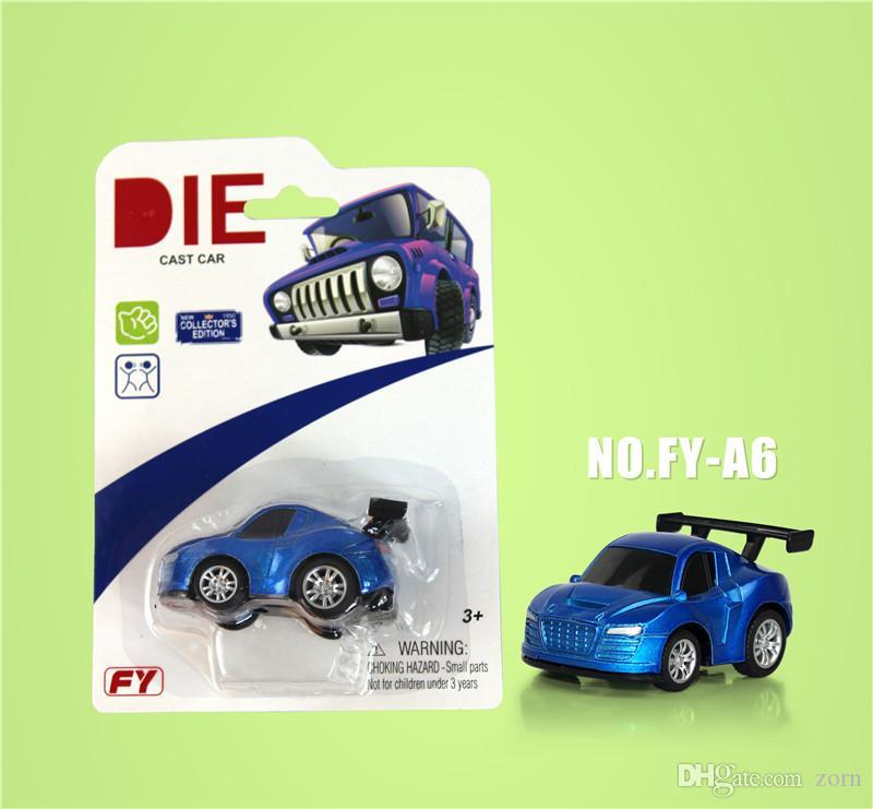 16 voitures de jouet en métal moulé sous pression de style 1:64 Audi, BMW, Land Rover, supercar. Voiture de retour de voiture en alliage de voiture Q Edition BMW noir,