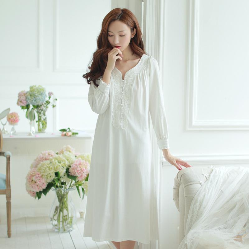 d0cd738058941 2019 Pregnant Lace Sleep Dress Long Sleeve Cotton Maternity Nightgown  Princess Nightdress Plain White Pink Brief Pregnancy Sleepwear From Breenca,  ...