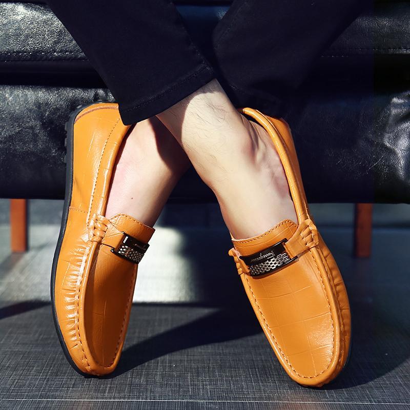 7d78c1ae8c82 Großhandel 2018 Herren Hochzeitsschuhe Luxusmarke Echtes Leder Casual  Oxfords Wohnungen Schuhe Herren Loafers Mokassins Italienischen Fahr Schuhe  EU38 47 ...