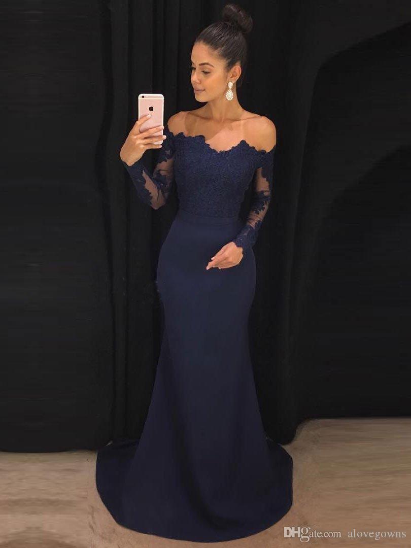 0b19c4386be Compre Azul Marino 2018 Vestidos De Noche Mangas Largas De Encaje De Sirena  Vestidos De Fiesta Fuera Del Hombro Barrido Tren Vestido De Dama De Honor  ...