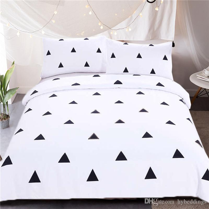 Geometric Bedding Set Black Triangles Duvet Cover With Pillowcases