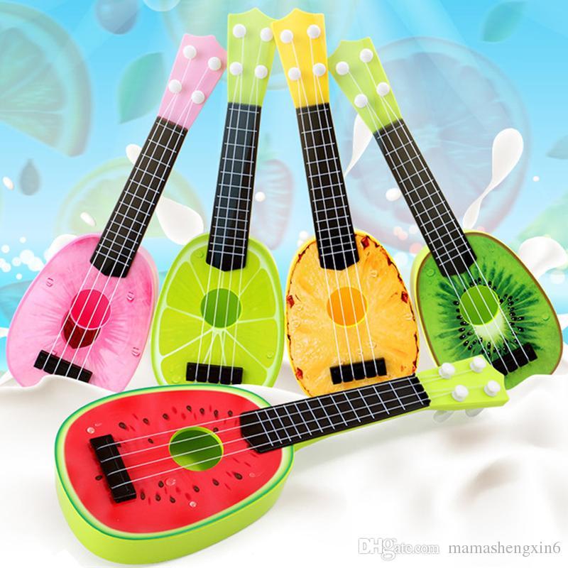 Novas Crianças Crianças Fruta Ukulele Pequeno Guitarra Instrumento Musical Toy Simulação Quatro Cordas Guitarra Instrumento Play Brinquedos Presente