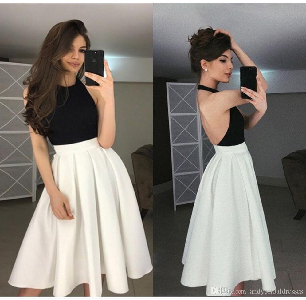 a50c761fcd Compre Vestido De Dama De Honor Corto Blanco Y Negro Vestido De Dama De  Honor Sin Respaldo Halter Barato Para Invitados A La Boda A  95.48 Del ...