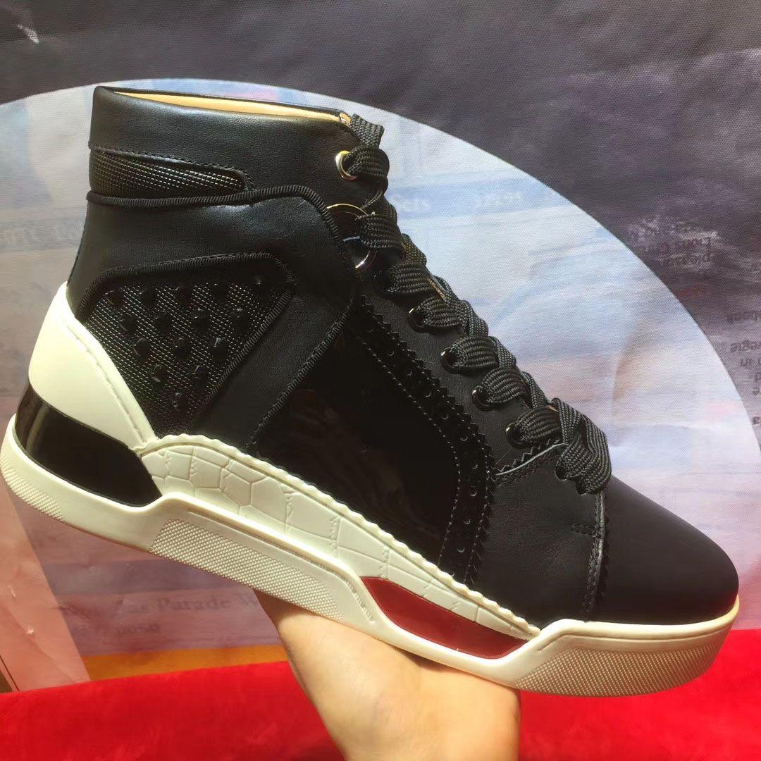 Compre 2018 Nuevo Modelo Hombres Zapatos De Color Negro De Piel De  Serpiente Remaches De Grano De Alta Ayuda Marca Ocasional Zapatos  Inferiores Rojos ... b909647c21d6