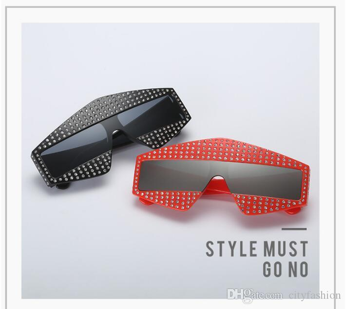 Fashion Popular Avant-Garde Style Oversized Goggles Inlaid pearl Rivets Frameless and Legs Top Quality Uv Protection Eyewear with box