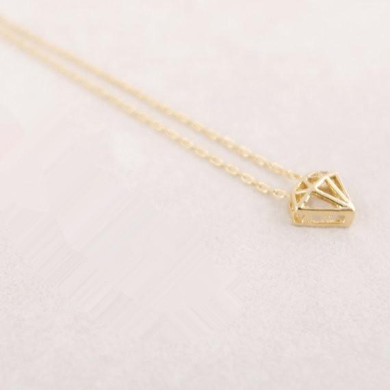 Moda Altın renkli kadınların hediye Ücretsiz Kargo Toptan için sağlam elmas kolye kolye kolye şeklini