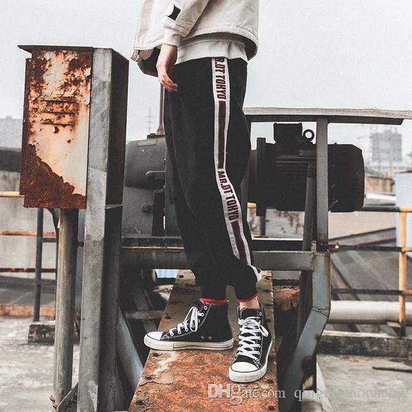 Acquista 2018 Nuovo Arrivo Hiphop Style Primavera Ed Estate Tasca Nono  Pantaloni Uomo Sciolto Conici Rilassati Jean Black Boy A  69.04 Dal  Qingnixiaocheng ... bc457ca7792e