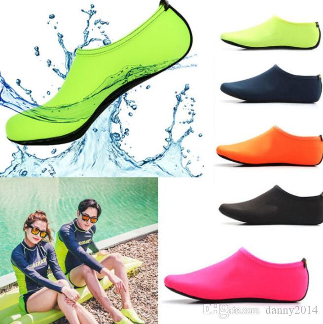 d727c104c4e995 2019 Kids Womens Mens Water Shoes Socks Classic Barefoot Water Sports Skin  Shoes Aqua Socks For Beach Swim Surf Yoga Exercise Socks From Danny2014