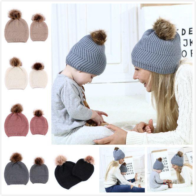 Compre Sombrero De Mamá Y Bebé Con Pompón Caliente De Piel De ...