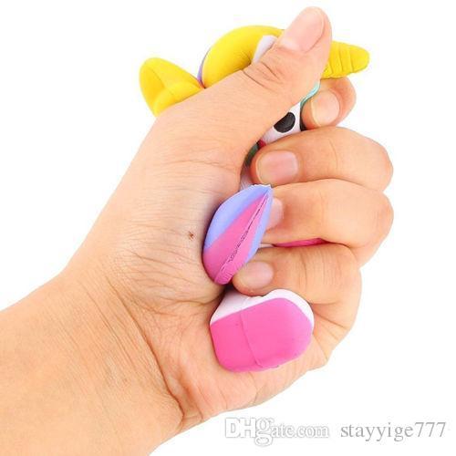 Jouets de Licorne Squishy mignons Slow Rising Kawaii Cellphone Bretelles Pendentif Simulation Pain Cake Stress Reliever Toys cadeau