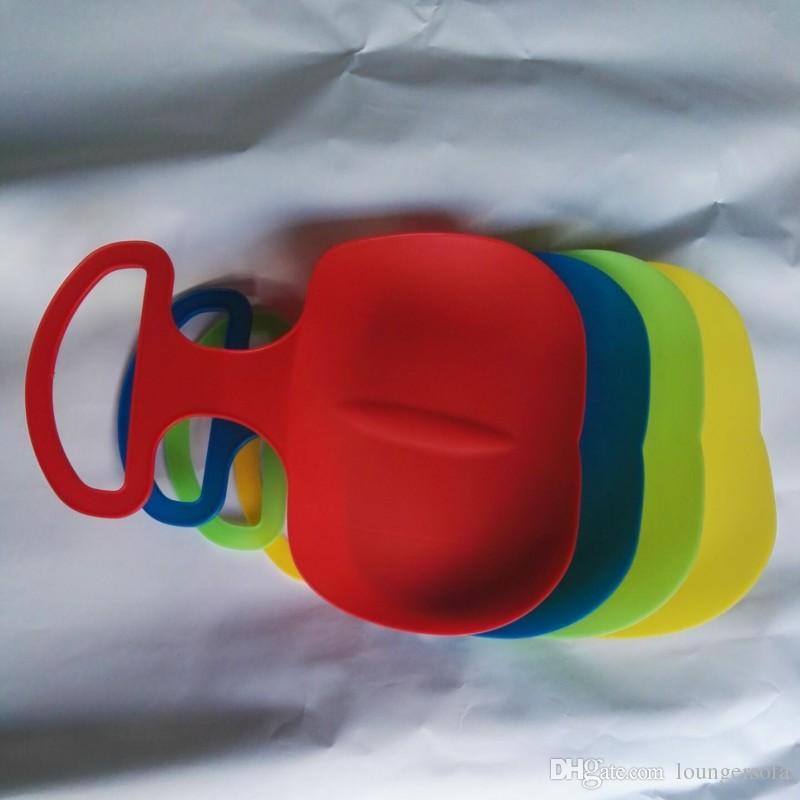 인기 스트라이프 스키 보드 플라스틱 PE 에코 친화적 인 성인을위한 스노우 보드 내성 스키 보드 새로운 도착 4ws B