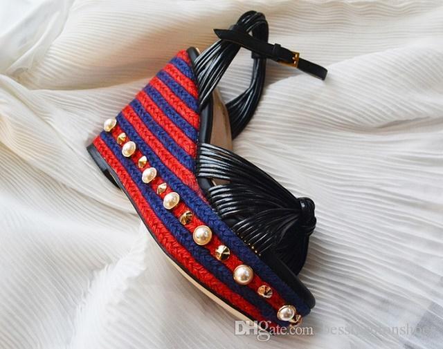 الذهب الأزرق الإناث الصيف الأحذية اللؤلؤ سميكة الكعب الصنادل الشاطئ الأحذية chaussure فام rivtes zapatos موهير platforma الأزرار إسفين الصنادل