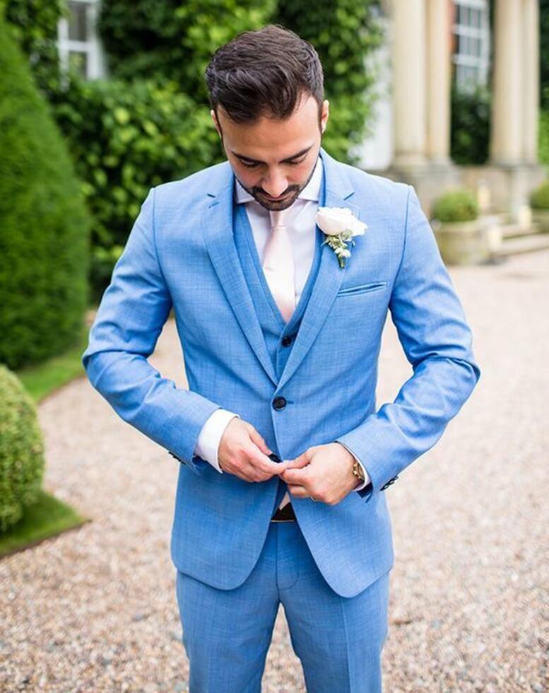 Compre Traje De Novio De Encargo Del Vestido De Los Hombres Último Vestido  De Boda Azul Claro Del Diseño De Los Hombres Juego De Tres Piezas Delgado  Del ... 772b646fe84