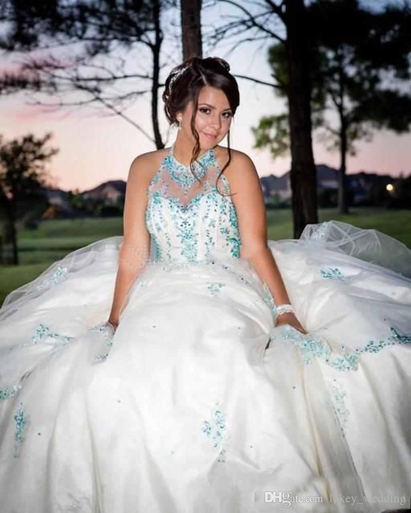 2018 Vestidos de quinceañera Jewel Neck Lentejuelas cristales acanalados Tul moldeado Ball Gown Sweet 16 Vestidos de baile Tallas grandes Niñas Vestidos de fiesta