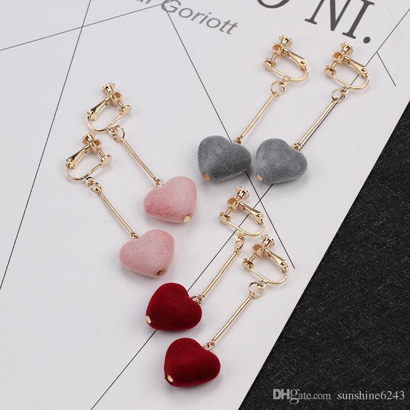vendita calda orecchini amore flanella Orecchini asimmetrici a forma di cuore perla bambina dolce senza graffa orecchio