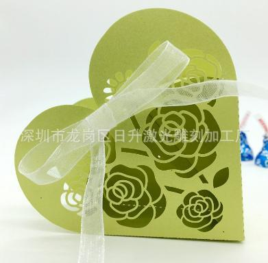 Sweet Love Heart Shape Wedding Party Favor Boxes Hollow Rose Candy Box Chocolate Holder Gifts Bags Cake Box with ribbon