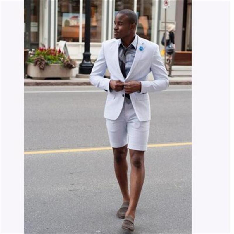 Compre Traje De Verano Traje Homme Con Pantalón Corto Terno Groom Tuxedos  Verano Para Hombre Trajes De Boda Vestido Blazer 2 Piezas Chaqueta +  Pantalones + ... 0f27cb1e79f