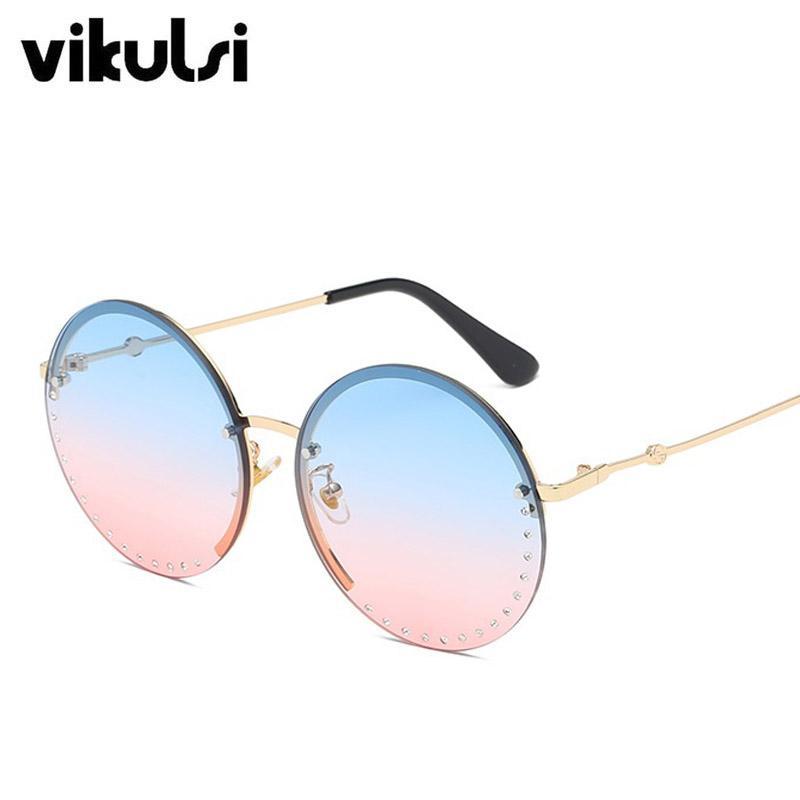 Compre 2019 New Fashion Oversized Óculos De Sol Das Mulheres Do Vintage  Retro Designe Marca De Diamante Redondo Óculos De Sol Feminino Gradiente  Shades ... fb95dd5da9