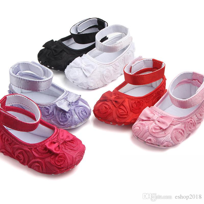 97edda82bce4 2019 Lovely Rose Flower Baby First Walker Infant Baby Rose Prewalker Baby  Girl Soft Soled Shoes Newborn Party Princess Shoes From Eshop2018