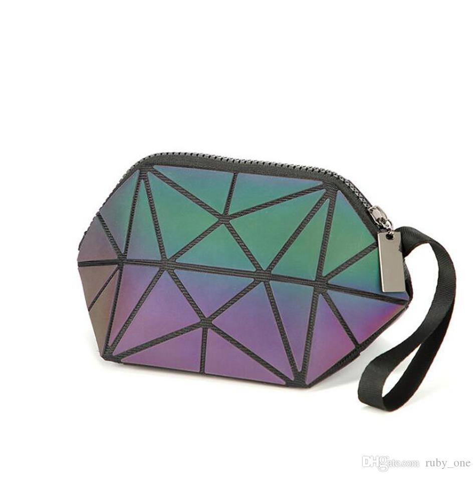 Geometric Noctilucent Small Travel Cosmetic Bag Women Luminous Make Up Bag Toiletry Kit Travel Organizer Beauty Case LJJO4533