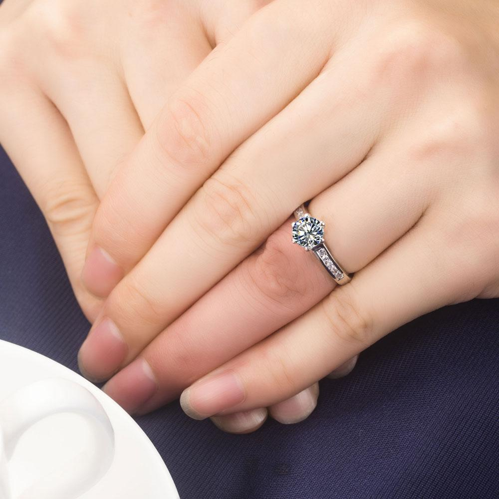 Drop Shipping 0.6 ct düğün band katı gümüş beyaz altın kaplama yüzük SONA sentetik elmas yüzükler gelin için hiçbir solmaya