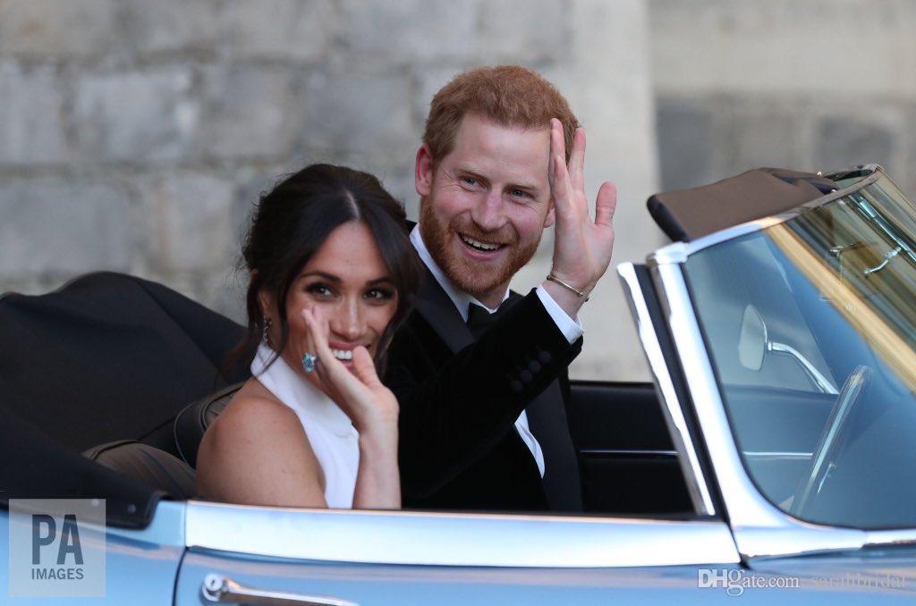 Príncipe Harry Meghan Markle Elegante Sereia Vestidos De Casamento Branca De Cetim Macio Festa de Casamento Vestidos Halter custom made Wedding Recept Vestido