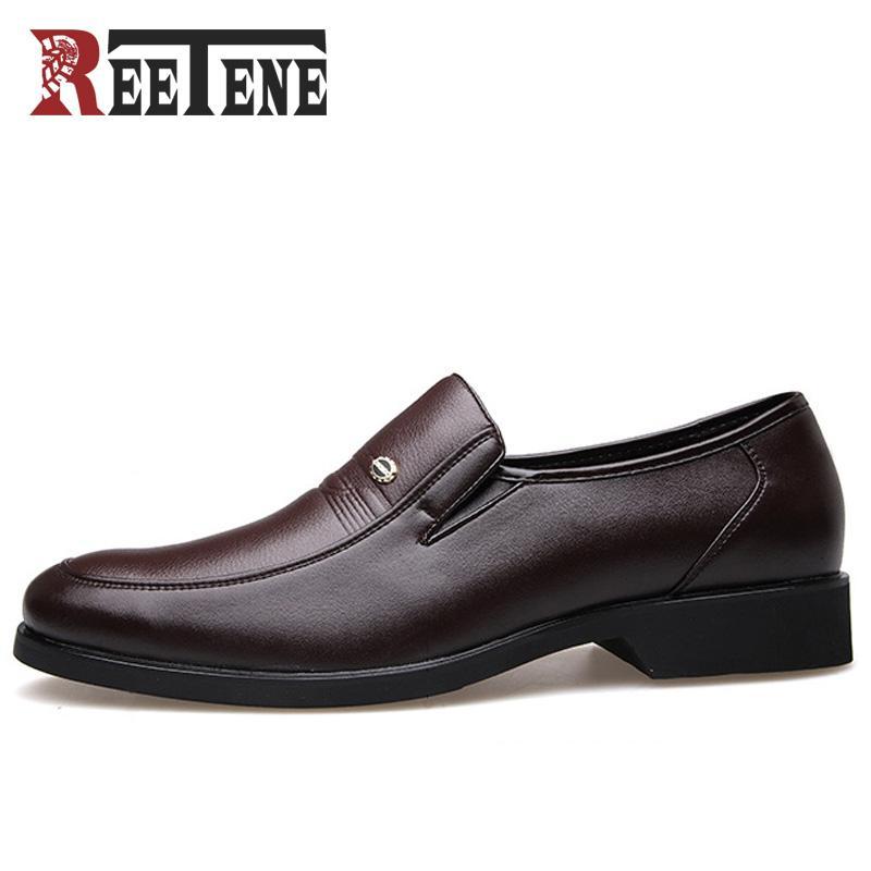 dc77379e2d7 REETENE Fashion Business Dress Men Shoes 2018 New Classic Leather Men S  Suits Shoes Fashion Slip On Dress Shoes Men Flats Orthopedic Shoes  Comfortable Shoes ...