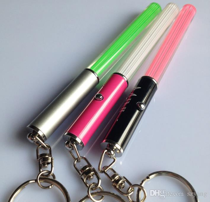 Venta al por mayor Linterna LED Stick Keychain Mini Torch Llavero Llavero de aluminio Durable Glow Pen Magic Varita Stick Lightsaber LED Light Stick
