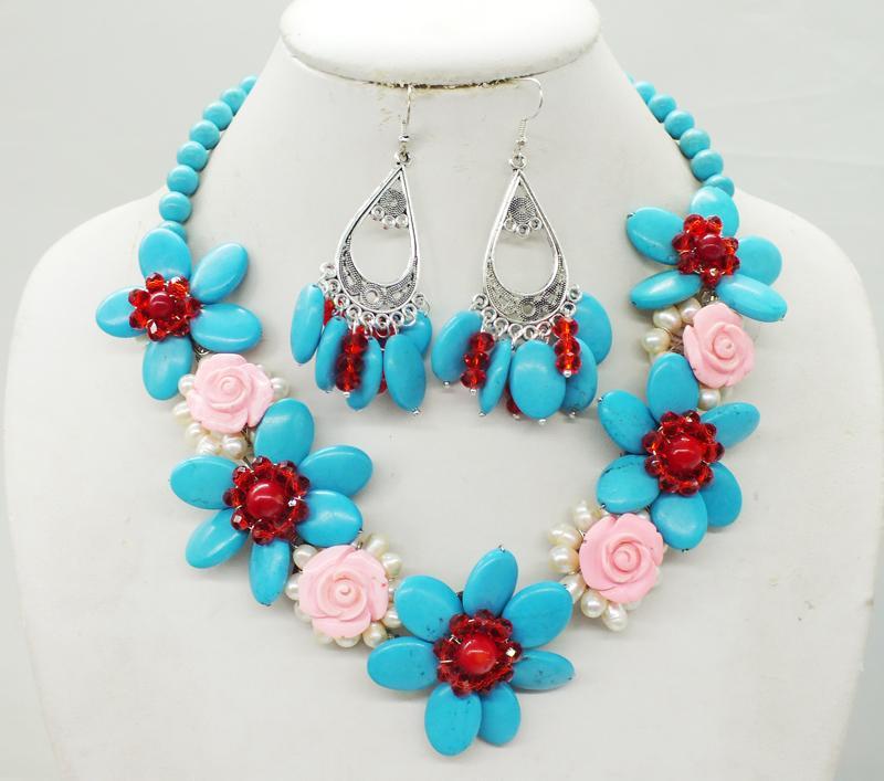 8252f5e5586c Compre Turquesa Clásica. Coral. Perla. Cristal. Collar De Flores Tejido A  Mano. Collar De Moda De Mujer Africana A  66.15 Del Weizhongwu
