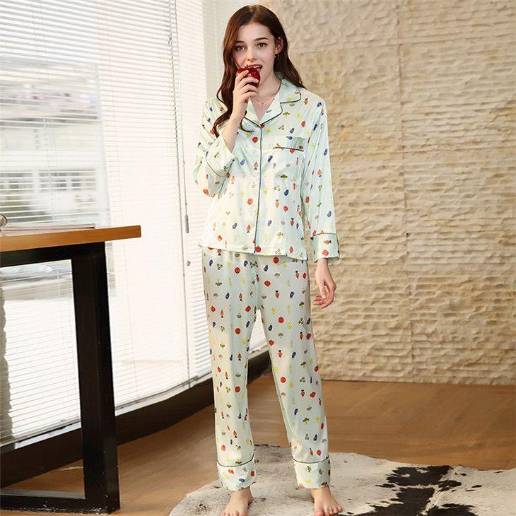 ee716c9e5 Compre Conjuntos De Pijama De Cetim Mulheres Pijamas Terno Meninas  Sleepwear Feminino 2 Peças Plus Size Turn Down Collar Verde Impressão  SJYT181 De ...